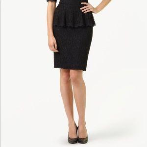 Aritzia Babaton Classic Lace Pencil Skirt - Size 2